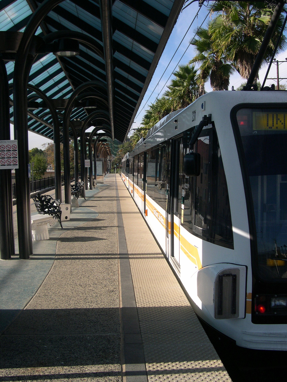 Metro-Gold-Line-2