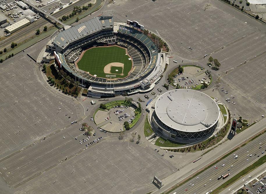 Oakland-Arena-aerial